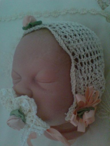 THREAD BONNET AND DUMMY PATTERN